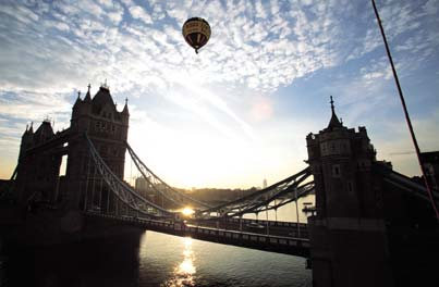 A hot air balloon ride over the Thames.